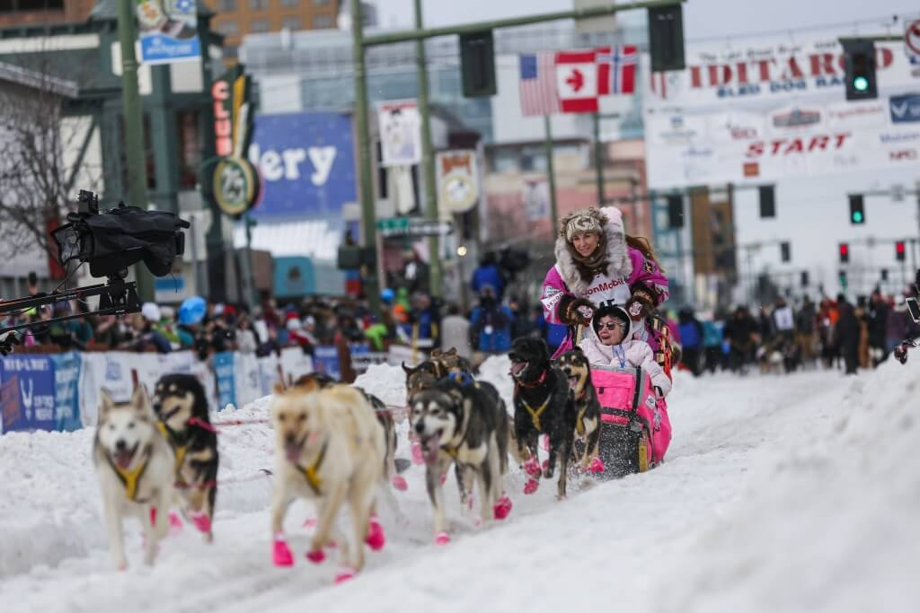 Alaskan musher DeeDee Jonrowe and her team leave the ceremonial start of the Iditarod Trail Sled Dog Race to begin the near 1,000-mile (1,600-km) journey through Alaska's frigid wilderness in downtown Anchorage, Alaska March 5, 2016. REUTERS/Nathaniel Wilder